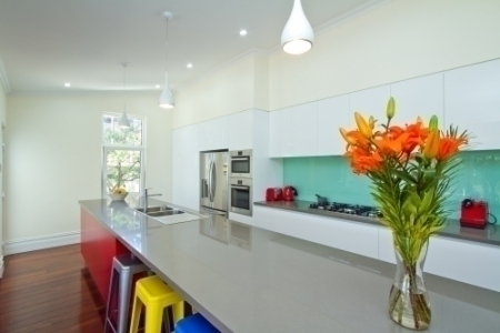 bounce glass splashback