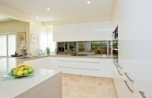 ultimate glass kitchen splashbacks